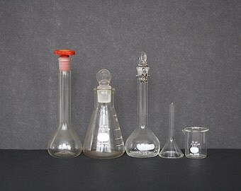 Chemistry Glass - Lab Glass - Vintage Science Decor - Vintage Chemistry Decor - Lab Equipment - Vintage Glass Beakers - Mad Scientist Decor
