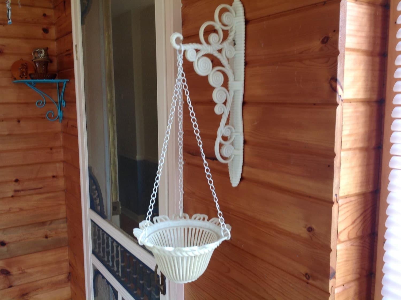 vintage wall planter hanging wall mount planter homco. Black Bedroom Furniture Sets. Home Design Ideas