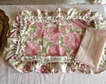 set of 4 placemats and 4 napkins