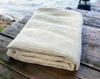 Waffle linen bath towel, sauna towel, softened baby towel, organic rustic towel, waffle pattern towel, grey bath towel, vegan towel, flax