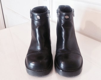 VTG 90s Grunge Biker Club Kid Chunky Platform Harley Davidson Black Leather Ankle Boots with Silver Star Studs