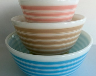 Vintage Pyrex Rainbow Stripe Mixing Bowls Set