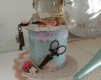 Altered spool, sewing machine, shabby chic, Tilda