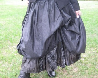 40 % OFF! Upcycled reconstructed balloon skirt with 2 layers
