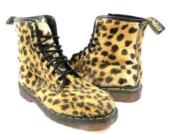 Dr. Doc Martens Air Wair Boots UK Size 7 Fuzzy Leopard Cheetah Print The Original 8-eyelet 1980s