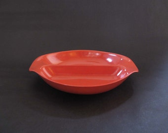 Russel Wright Residential Salmon Red Divided Vegetable Dish - Northern Plastic, USA 1953