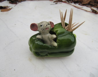 Paprika mouse and toothpick