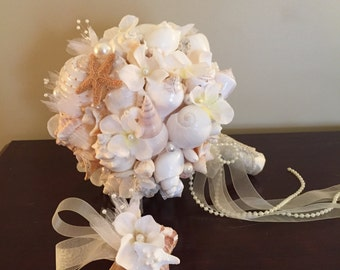 XO bouquet flower and seashell beach wedding  with boutonniere