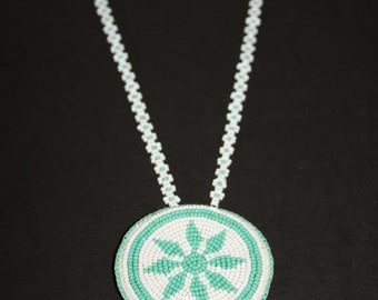 Vintage 70's Native American  beaded Necklace mint green