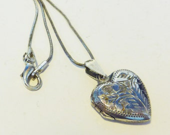 Vintage Heart Silver Locket Pendant Necklace - Etched 4 Mid century Sterling Silver Heart Shaped Locket