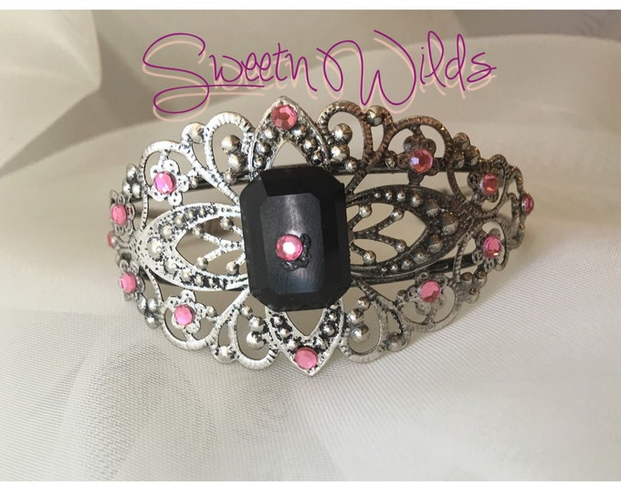 Vintage style antique cuff bracelet with pink gemstones