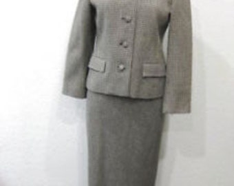 Vintage 1940s-1960s Brown Cream Houndstooth Fully Lined Italian Ladies Suit Blazer w/ Skirt