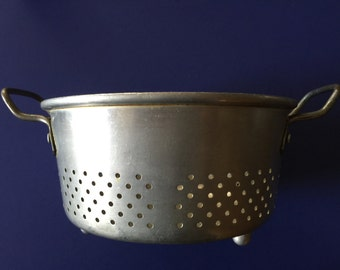 Vintage collander Royal Chef Solid aluminum Poulsen & Nardon inc made in USA