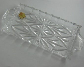 """Katharinen-Huette """"Real lead crystal more than 24%"""" small bowl / platter. Size approx 21.5 cm x 10 cm. Glass art from Bavaria. VINTAGE"""