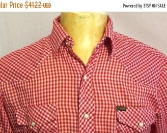 ON SALE 30% OFF Vintage Wrangler Red/White Western Pearl Snap Rockabilly Cowboy Shirt - vintage western - rodeo (Large)