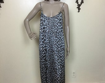 Vintage 60s  LEOPARD VAnity Fair  Long Nightgown 960s Lingerie  S M