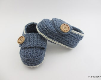 Crochet baby loafers, Pink Crochet Baby Booties, Little Button Loafers, Crochet Baby Booties, Crochet Baby Shoes, sizes 0 - 6 months BB301