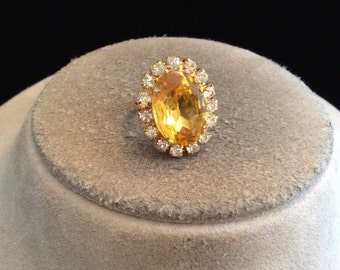 Vintage Chunky Yellow Glass & Rhinestone Adjustable Ring