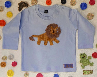 t-shirt baby boy with crochet lion embroidery in sky blue cotton - long sleeve - sizes 6 months, 12 months, 18 months