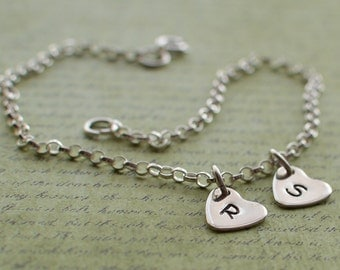 Sterling silver bracelet personalised silver heart pair chain bracelet charm choose your letters