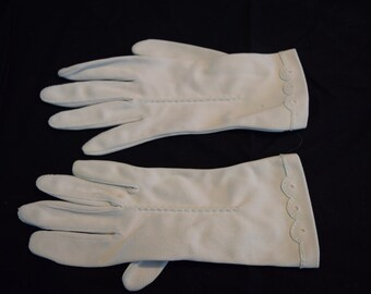 Women's vintage tan beige wrist length gloves size 6