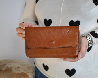 Vintage LEATHER SMALL CLUTCH , vintage leather wallet....(363)