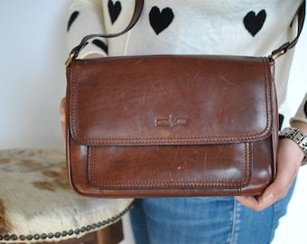 Vintage GIANNI CONTI leather shoulder bag ....(370)