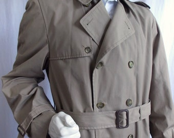 Mens Classic London Fog Trench Coat 46 Long