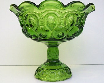 Vintage 1970's L.E. SMITH Moon and Stars Pedestal Base Compote or Fruit Bowl – Avocado Green – Scalloped Rim – Heavy -