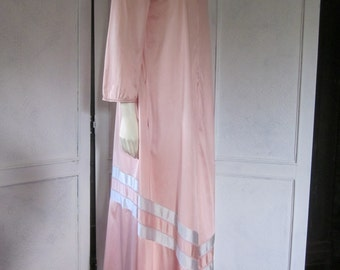 1960s Full-Length Dusty Rose Nylon Step-In Robe, Size Small