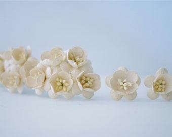 Paper flower, 50 pieces, size 2.5 cm. Cherry blossom, Ivory color.