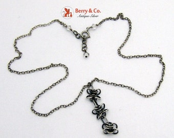 SaLe! sALe! Sterling Silver Floral Chain Necklace and Pendant
