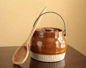 Vintage ceramic lidded pot / honey jar in warm brown tones with metal handle