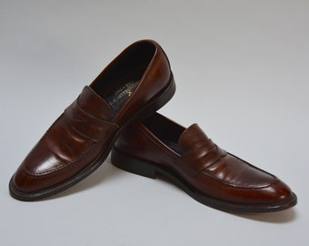 Men's Italian Shoes - Vintage 90s Brown Leather Loafers by Borgo Mediceo High Vamp Pointed Toe Leather Sole Penny Loafers Made in Italy 41