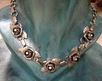 Vintage Rhinestone Roses Chocker  Necklace / Silver / Retro / Flower Necklace / Wedding  / Hippie / Boho / High Fashion / Bride