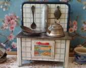 Dollhouse Vintage Kitchen Stove...Pans Aluminium & 1 Kettle...Miniaturen...French cookware...Dolls Kitchen..Pretend to Play...Rust and Dust.
