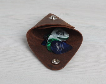 Leather Guitar Pick Holder Pouch With Snap - Distressed Brown