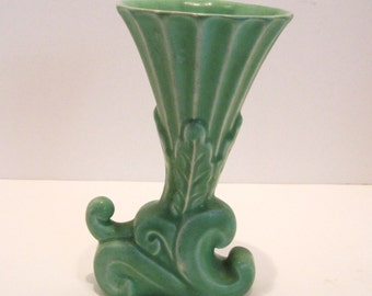 MCM Modern Pottery Vase Soft Glaze Paastel Green Mid Century Modern