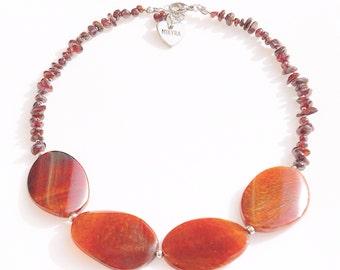 Necklace wirh garnet or Agate or fluorite chips