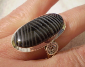Black Striped Agate 925 Sterling Silver Ring Size 8.75