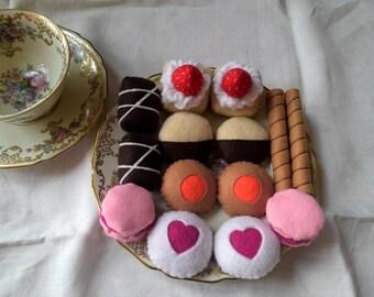 Felt food. Felt biscuits. Felt cookies. Children party. Play food. tea party. Pretend play food. Ornament. Home decor.