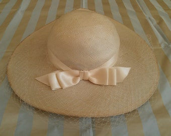 1970's Primtemps Paris ladies' hat w/ chinstrap M/L