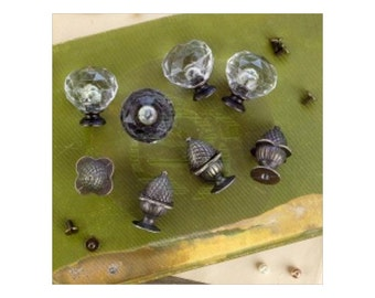 Prima Memory Hardware Orleans Antique Knobs