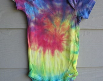 Tie Dyed Gerber Onesie, 24 mth for either boy or girl, rainbow spiral color-infant onesie, bodysuit, crawler or creeper - unisex kids top