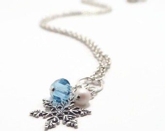 Snowflake Necklace, Winter Necklace, Christmas Necklace, Holiday Jewelry, Christmas Jewelry, Winter Jewelry, Gift for Her, Gift for Mom B133