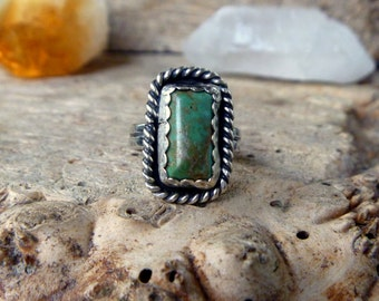 Turquoise and sterling silver ring // Size 7.25