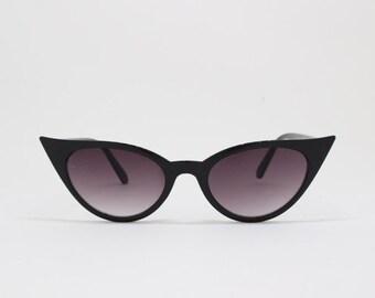 Cat eye sunglasses, 50s style eyewear, black frame, classic vintage style shades