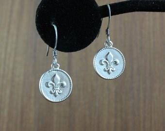 Silver Fleur De Lis ~ earrings