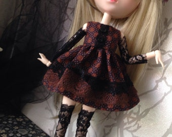 Dress for pullip and doll of this mid size low sleeve