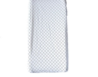 Grid pattern changing pad cover